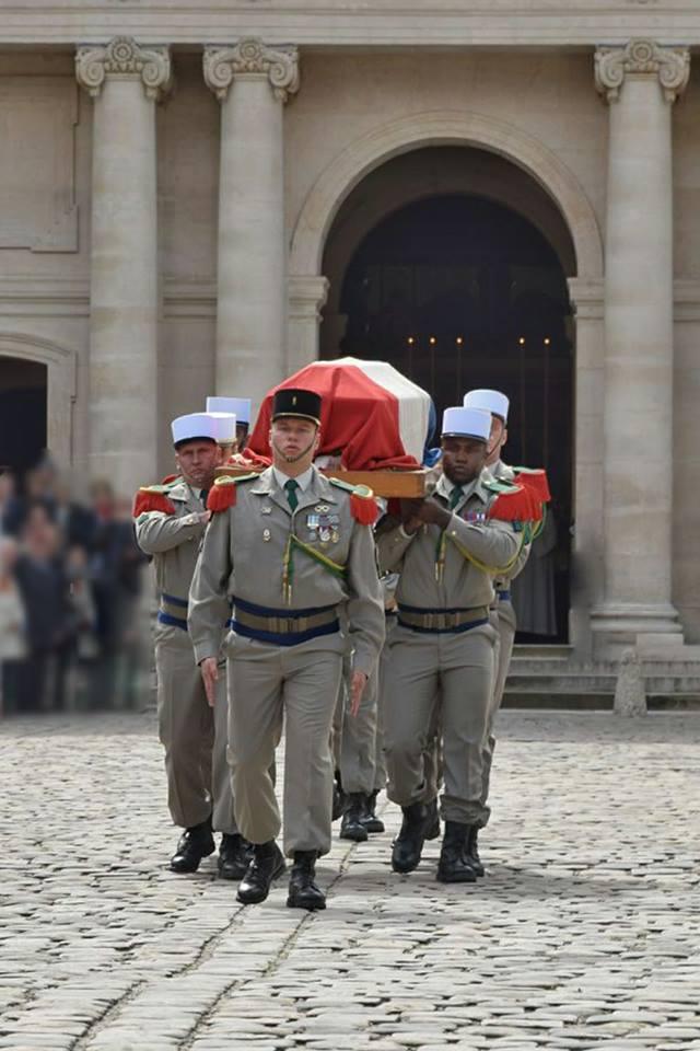 Décès du Général Emmanuel BETH, ancien commandant de la 11e Brigade Parachutiste 30689111
