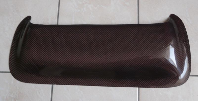 Pièces en Carbone bleu et rouge - Angély Composites P1130211