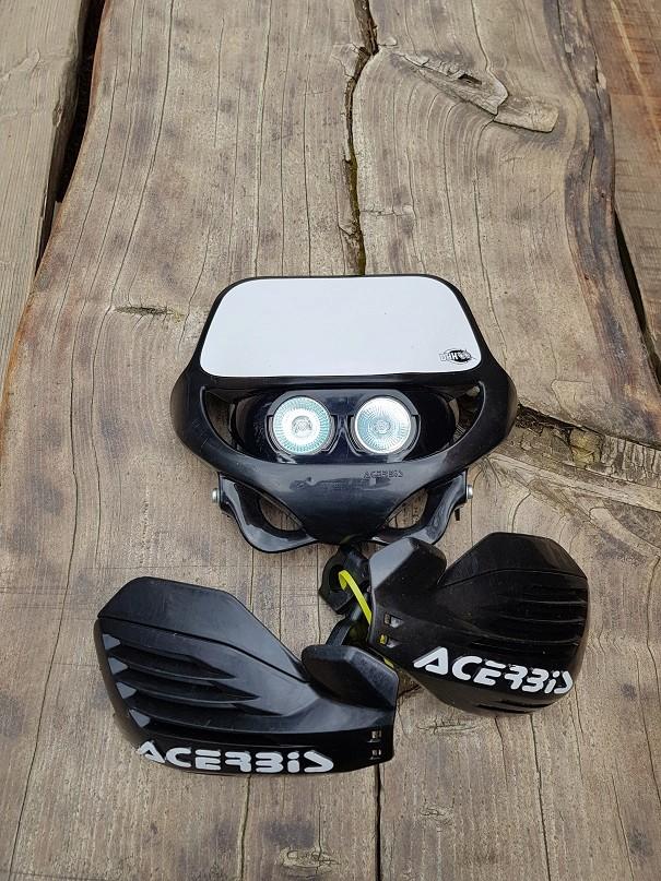 {cherche)plaque phare LED  Acerbi10