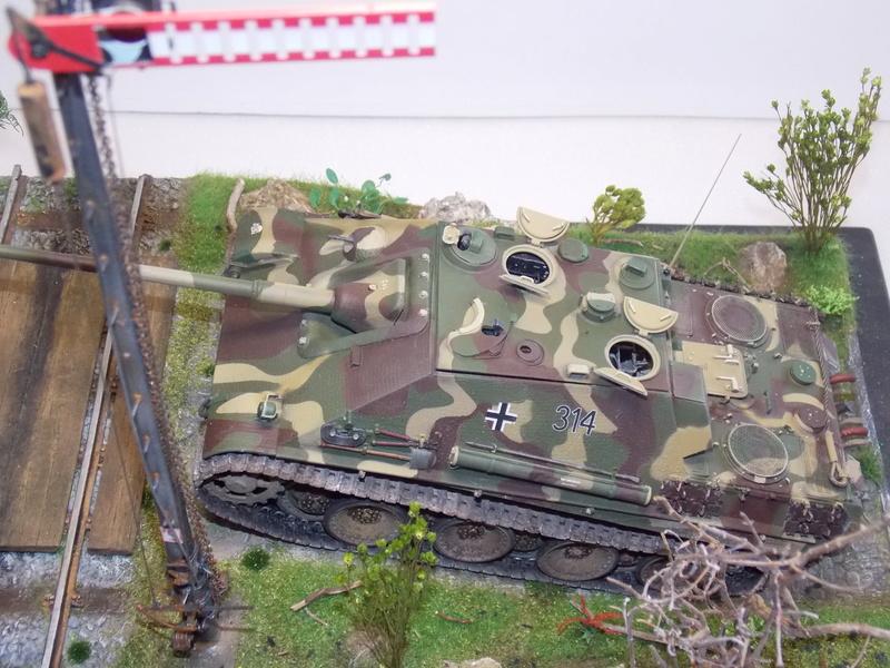 jagdpanther - Jagdpanther sur la voie (dragon 1/35) - Page 2 Dscn6146