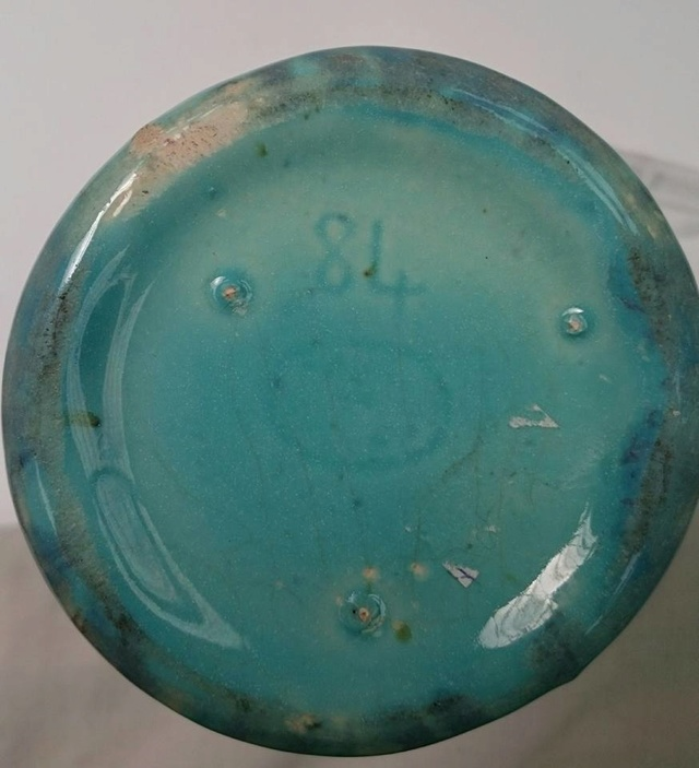 "The ""Ruskin-like"" so-called Crown Lynn trickle glaze: Some information (perhaps)  84_bas10"