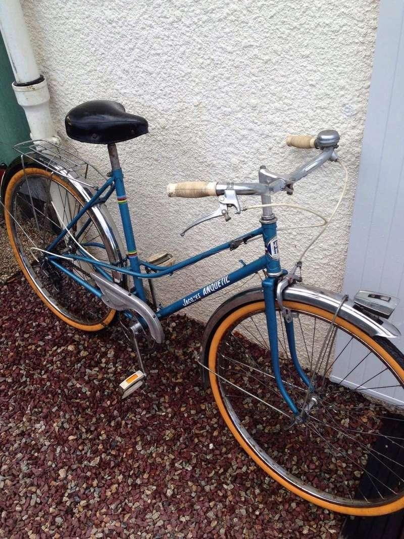 Vélo femme Jacques Anquetil et changement de roue 6a5e8810