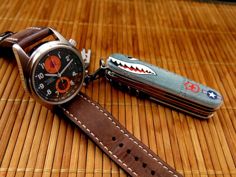 montres de + de 1000 euros - Page 43 Victor26