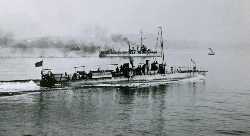+ TORPILLEUR 208 (1898/1919) + Torpil10