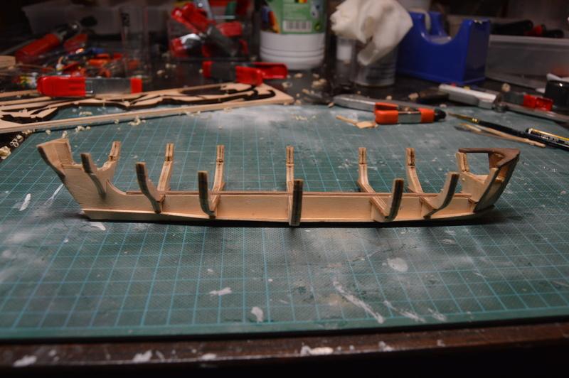 Débutant première construction Jolly boat HMS Bounty  - Page 7 Dsc_0517