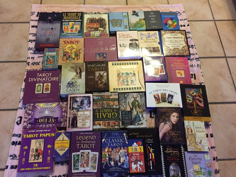 Je vends ma collection d'oracles et tarots Img_2311