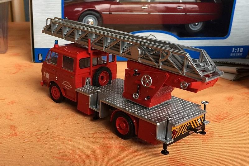 """2011 - Hachette Collections > """"Camions et véhicules de Sapeurs Pompiers au 1/43"""" >> 2014 - Page 2 26194910"""