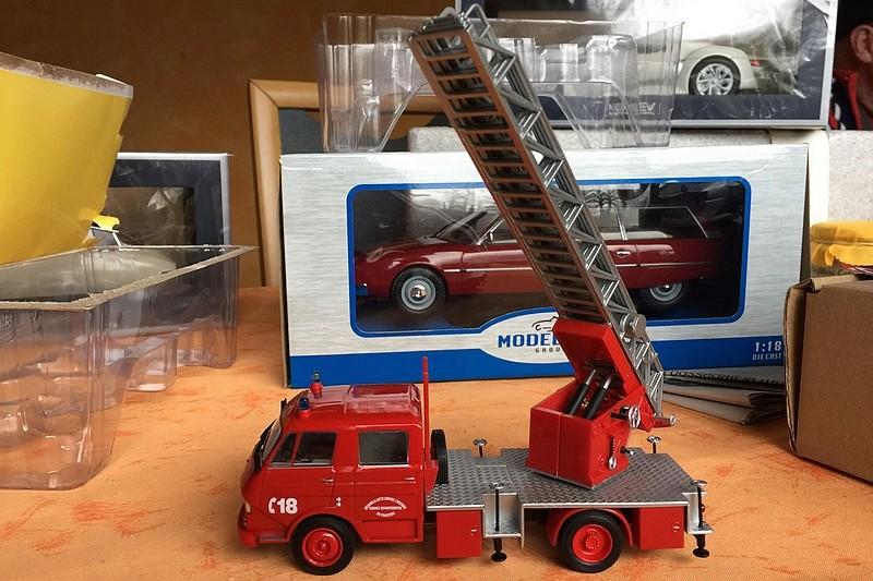 """2011 - Hachette Collections > """"Camions et véhicules de Sapeurs Pompiers au 1/43"""" >> 2014 - Page 2 26195110"""