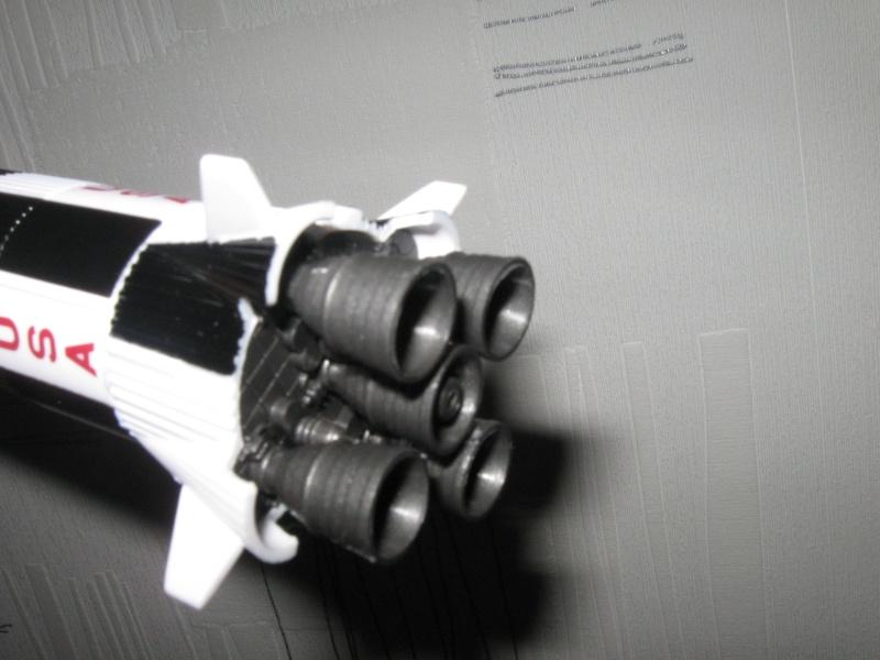 Saturn V en plastique Img_0511