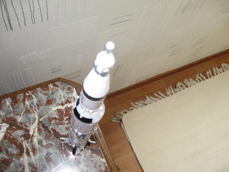 Saturn V en plastique Img_0512