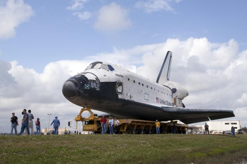 [STS-132] Atlantis : préparatifs (lancement prévu le 14/05/2010) - Page 3 Roll_v11