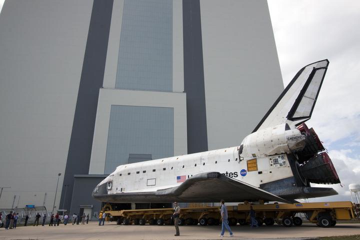 [STS-132] Atlantis : préparatifs (lancement prévu le 14/05/2010) - Page 3 Roll_v12