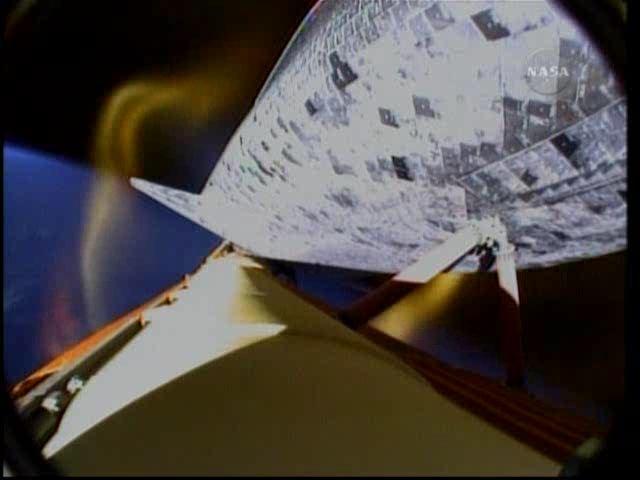 [STS-131 /ISS19A] Discovery fil dédié au lancement (05/04/2010) - Page 16 Vlcsna17