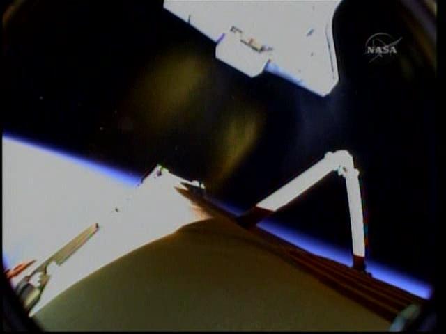 [STS-131 /ISS19A] Discovery fil dédié au lancement (05/04/2010) - Page 16 Vlcsna18