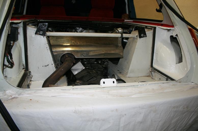 Restauration moquette intérieure de T2 - Page 3 Img_4019