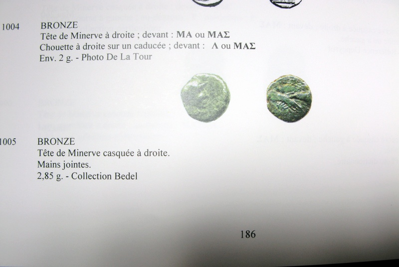 Bronze massaliote tardif aux mains jointes Img_2210