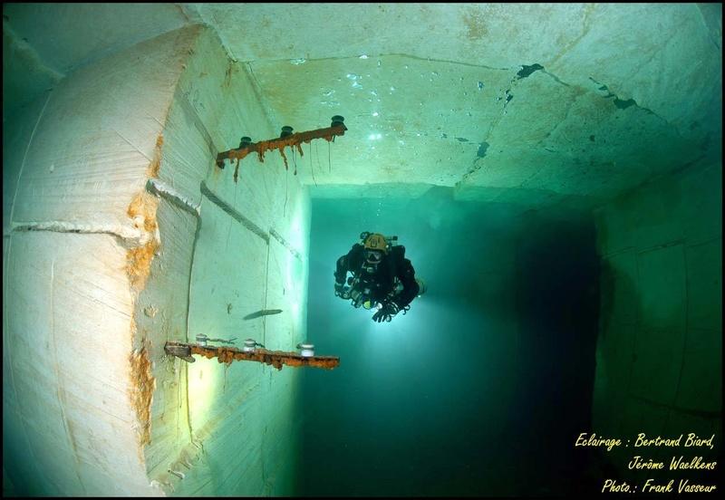 Plongée souterraine dans une mine abandonnée au sud ouest de la France Memes510