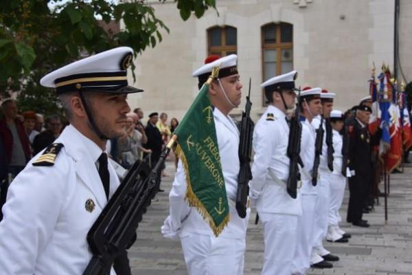 [Les traditions dans la Marine] Les Villes Marraines - Page 11 2_310