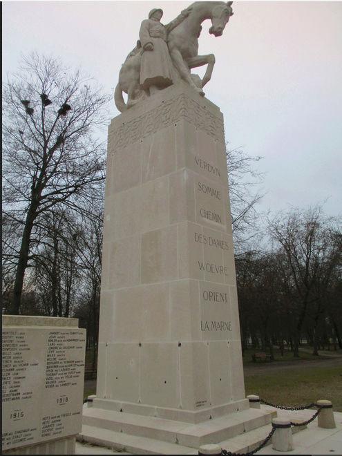 [ Histoires et histoire ] Monuments aux morts originaux Français Tome 2 - Page 5 Captur36