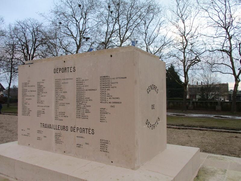 [ Histoires et histoire ] Monuments aux morts originaux Français Tome 2 - Page 5 Img_2043