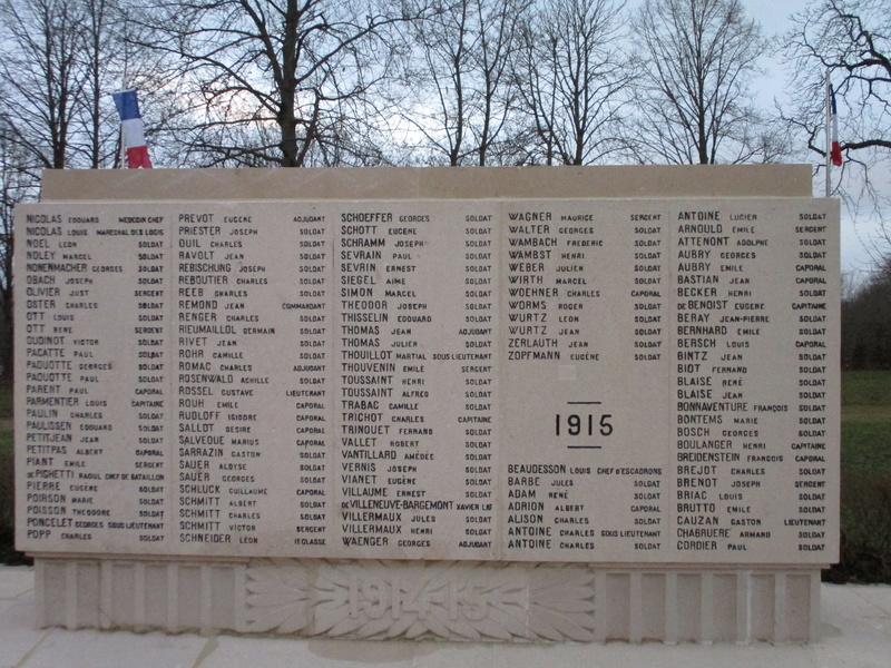 [ Histoires et histoire ] Monuments aux morts originaux Français Tome 2 - Page 5 Img_2051