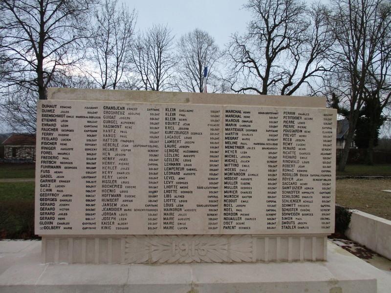 [ Histoires et histoire ] Monuments aux morts originaux Français Tome 2 - Page 5 Img_2052