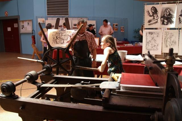 Tom Barocco ,lithographe , au 10ème salon du livre régional de Marlenheim 5 et 6 juin 2010 Img_9522