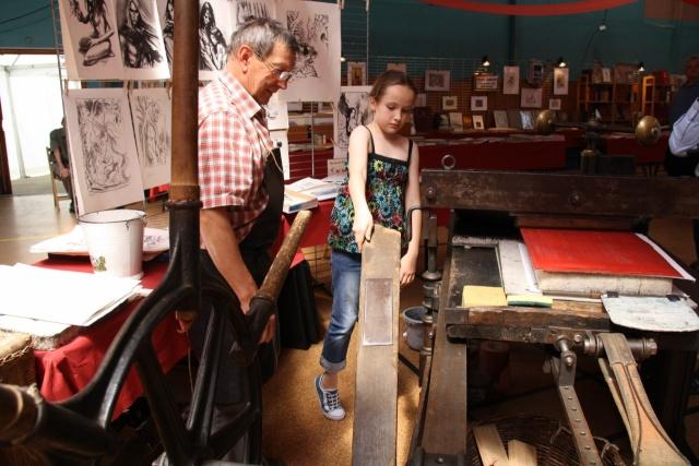 Tom Barocco ,lithographe , au 10ème salon du livre régional de Marlenheim 5 et 6 juin 2010 Img_9525