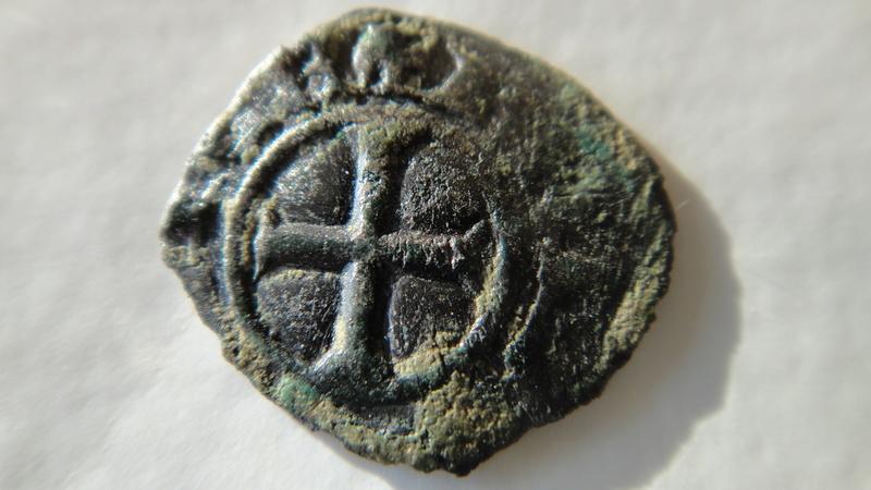 Principauté d ' Orange (Denier ou Obole ) ?? Raymond III  (1335-1340) Dsc04513