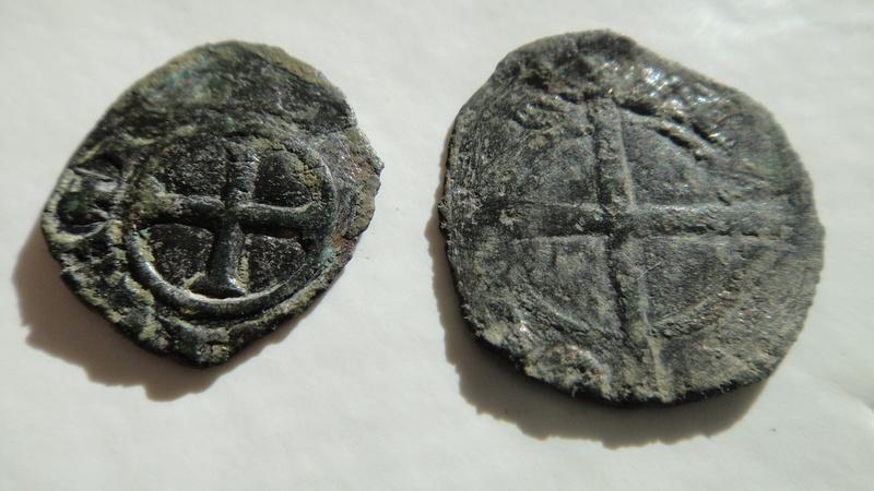 Principauté d ' Orange (Denier ou Obole ) ?? Raymond III  (1335-1340) Dsc04523