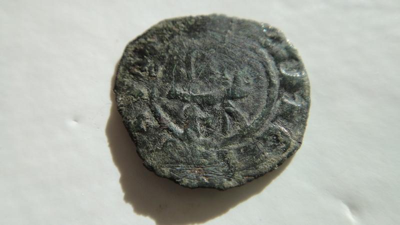 Principauté d ' Orange (Denier ou Obole ) ?? Raymond III  (1335-1340) Dsc04525