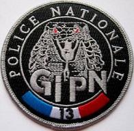Hommage à Monsieur le commissaire divisionnaire Georges Nguyen Van Loc,le père du GIPN . Source WIKIPEDIA. 03372310