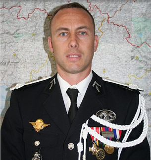 Hommage au Colonel Arnaud BELTRAME . ( Source du site Soldat de France ) 21206611