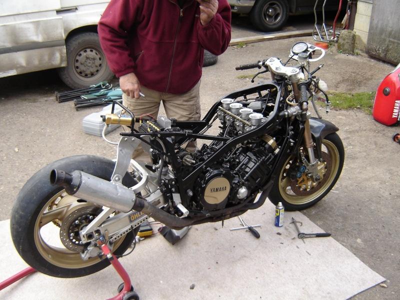 Yamaha FZ 750 Dsc02610