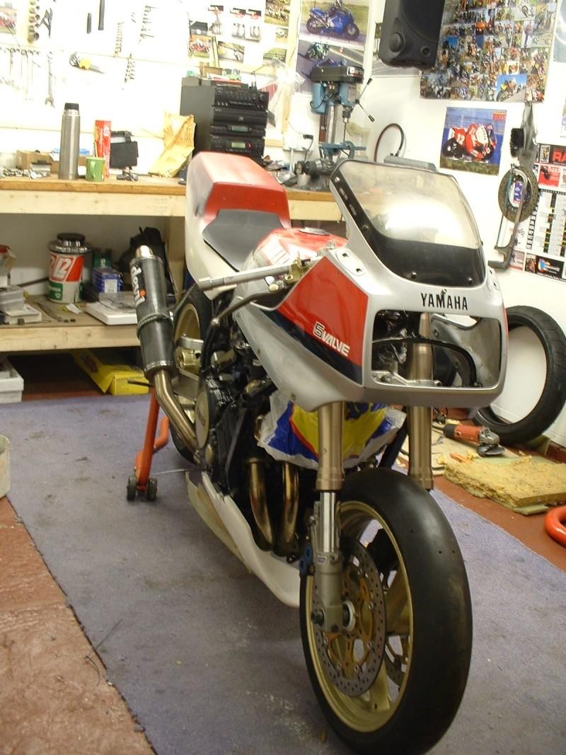 Yamaha FZ 750 Dscf0010
