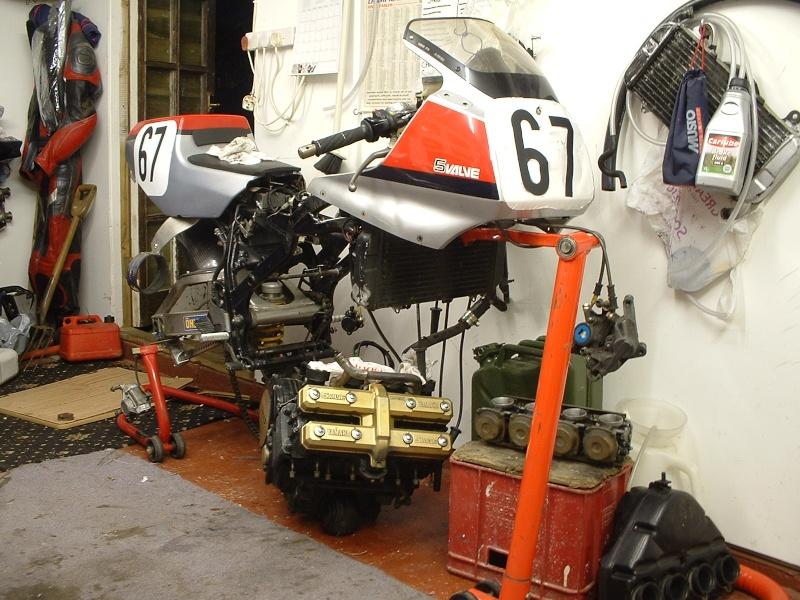 Yamaha FZ 750 Dscf0011