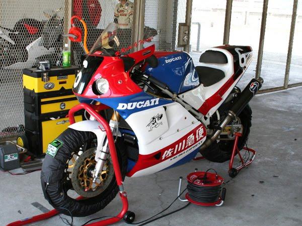 Ducati 851-888 - Page 2 Ducati12