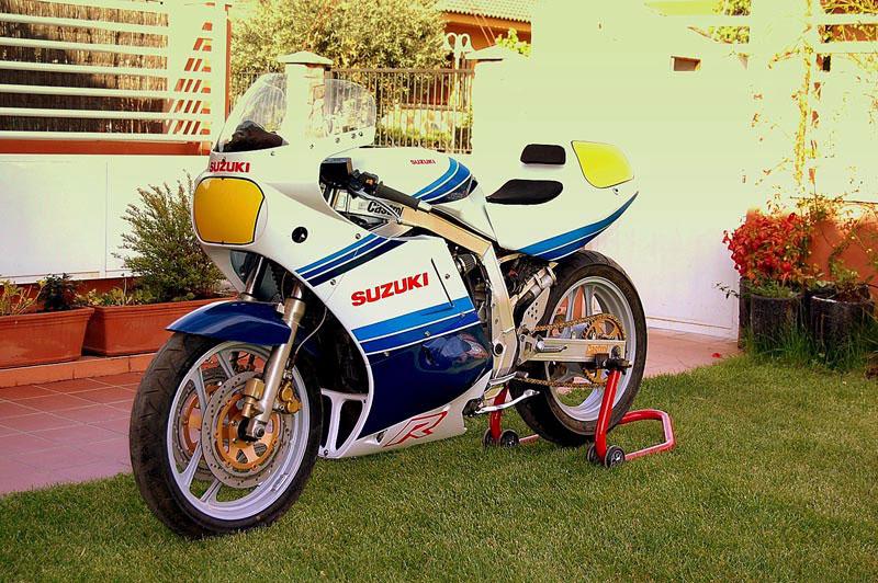 Suzuki GSX-R Slabside 750 (85-87) et 1100 (86-88) - Page 4 Gsxr-112