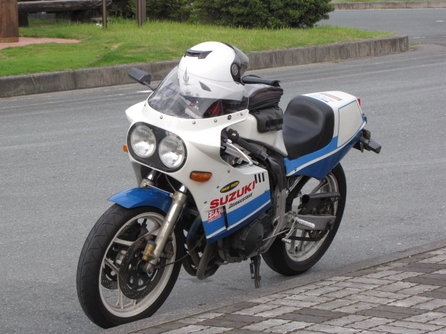 Suzuki GSX-R Slabside 750 (85-87) et 1100 (86-88) - Page 4 Img_7414