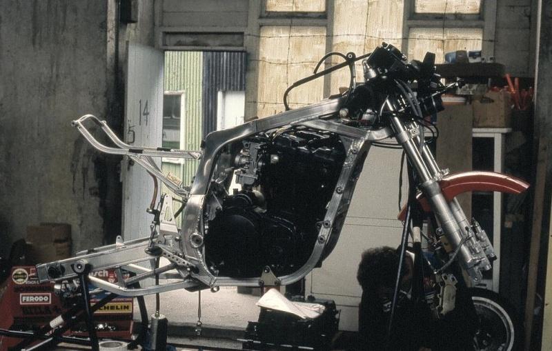 Suzuki GSX-R Slabside 750 (85-87) et 1100 (86-88) - Page 7 Iom_tt14