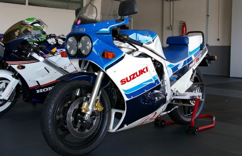 Suzuki GSX-R Slabside 750 (85-87) et 1100 (86-88) - Page 7 R85_ti10