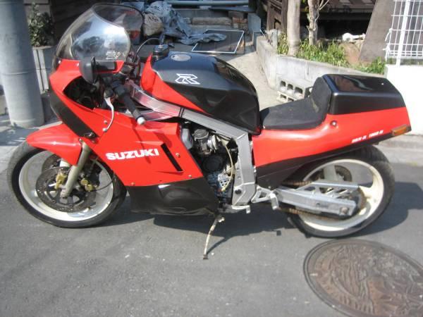 Suzuki GSX-R Slabside 750 (85-87) et 1100 (86-88) - Page 2 Rikini11