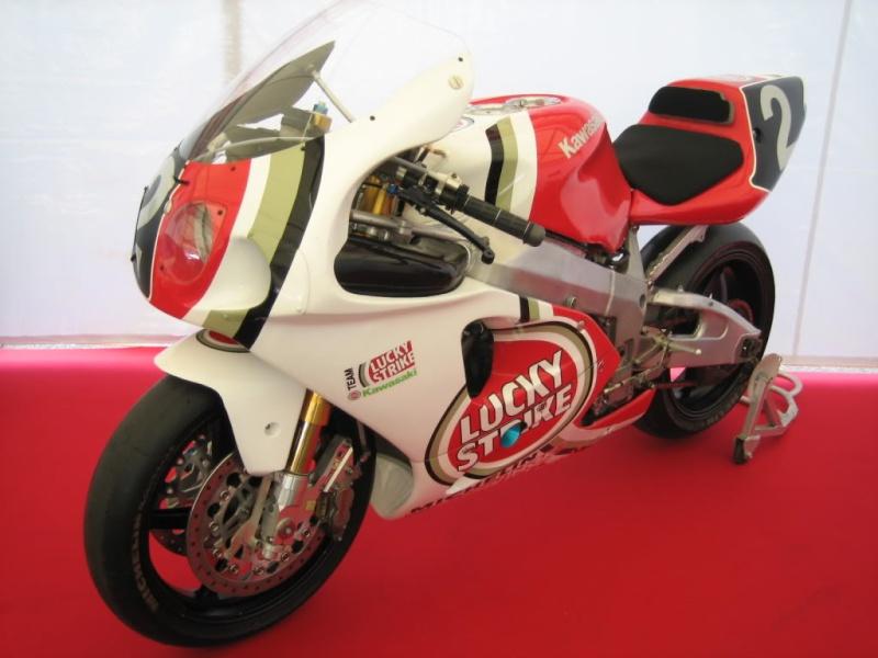Kawasaki ZXR 750 - Page 2 Zx7rr_10