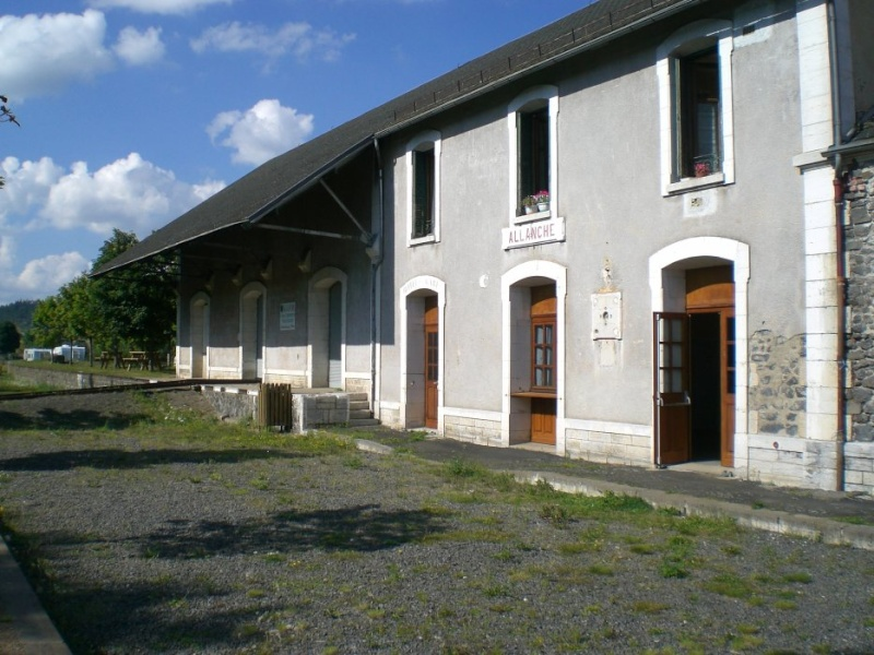 Villes et villages de charme du Cantal 29272510