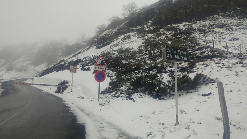 Route du Puy-Mary, début de l'ouverture... - Page 2 30821310