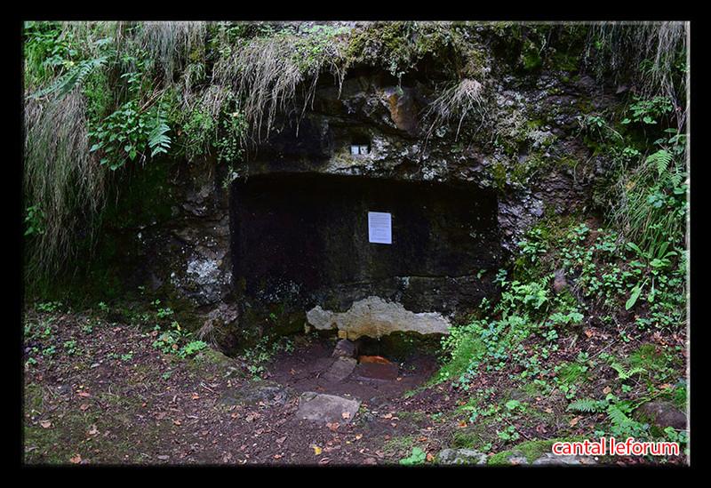 Les fontaines miraculeuses dans le Cantal Dsc_0011