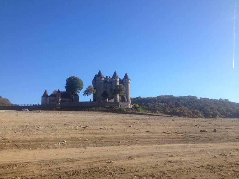 Chateau de Val et son lac Img_2511
