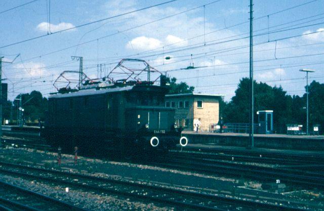 Zwei Pazifics der deutschen Bahnen: BR 01 und 03 - Seite 2 E_44_010
