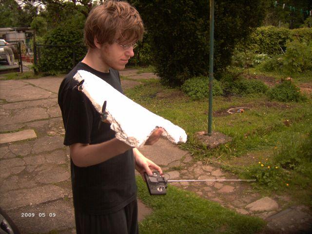 Styropor - Selbstbauflieger von meinem Sohn P238