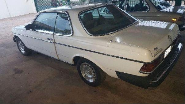 W123 300CD 1980 - R$18.000,00 215